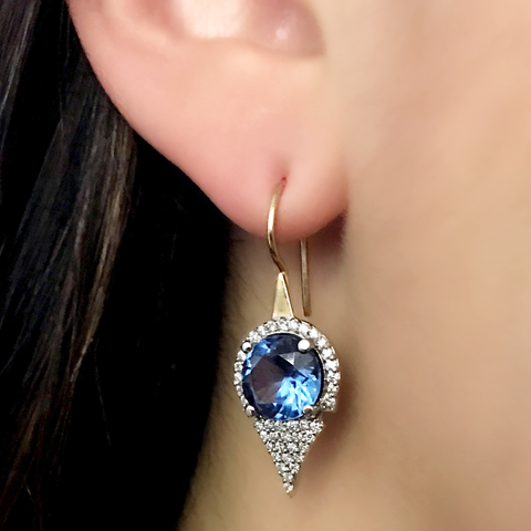 ASYMMETRIC MEDIUM AZIZA EARRINGS