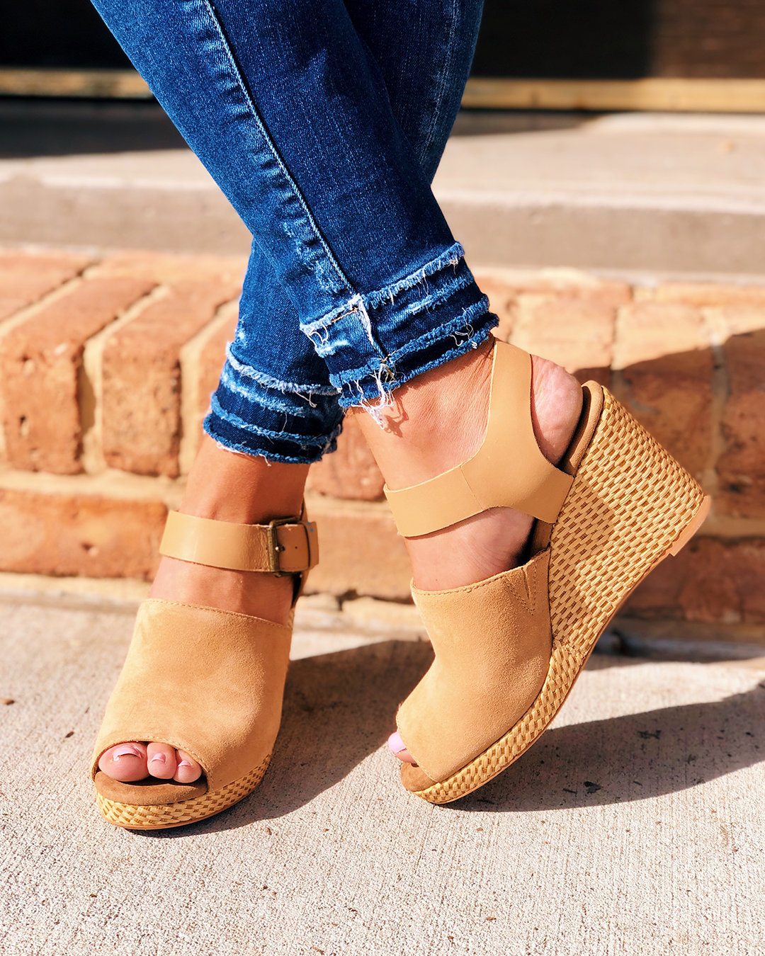 TOMS TAN WEDGES WITH BUCKLE