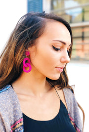 Roma Beaded Interlink Drop Earrings in Pink, pink beaded interlocked hoops