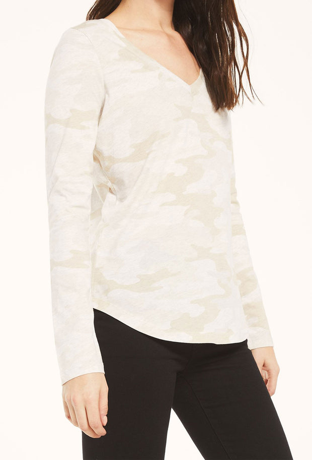 Z SUPPLY Kinney Camo Long Sleeve in Light Oatmeal, long sleeve camo print tee with neck in light tan/cream color