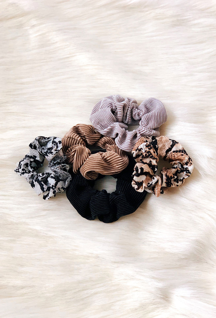 Scrunchie Set in Snake Print, set of 5 scrunchies with 3 solid colors and 2 snake printed ones