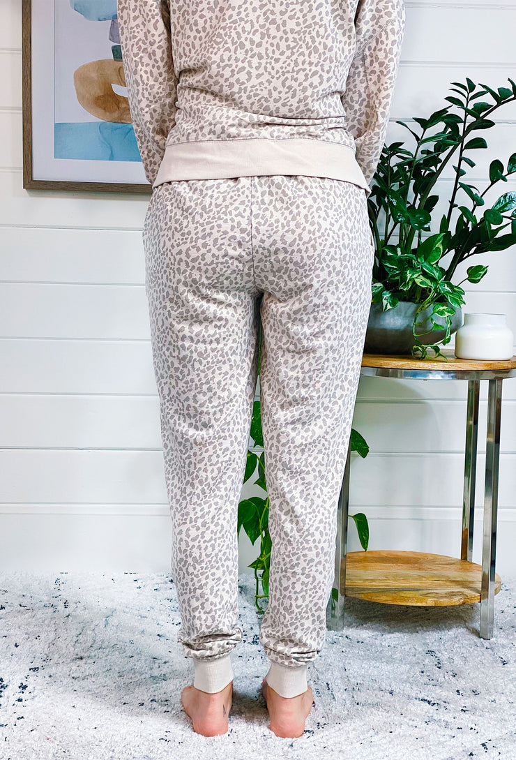 Z SUPPLY Tonal Leopard Jogger, off white joggers with tan leopard print and drawstring waist