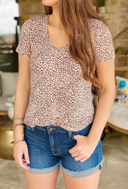 ZSUPPLY Mini Leopard Print V-neck Tee in Pale Blush, T-shirt with Mini Leopard Print in Light Pink