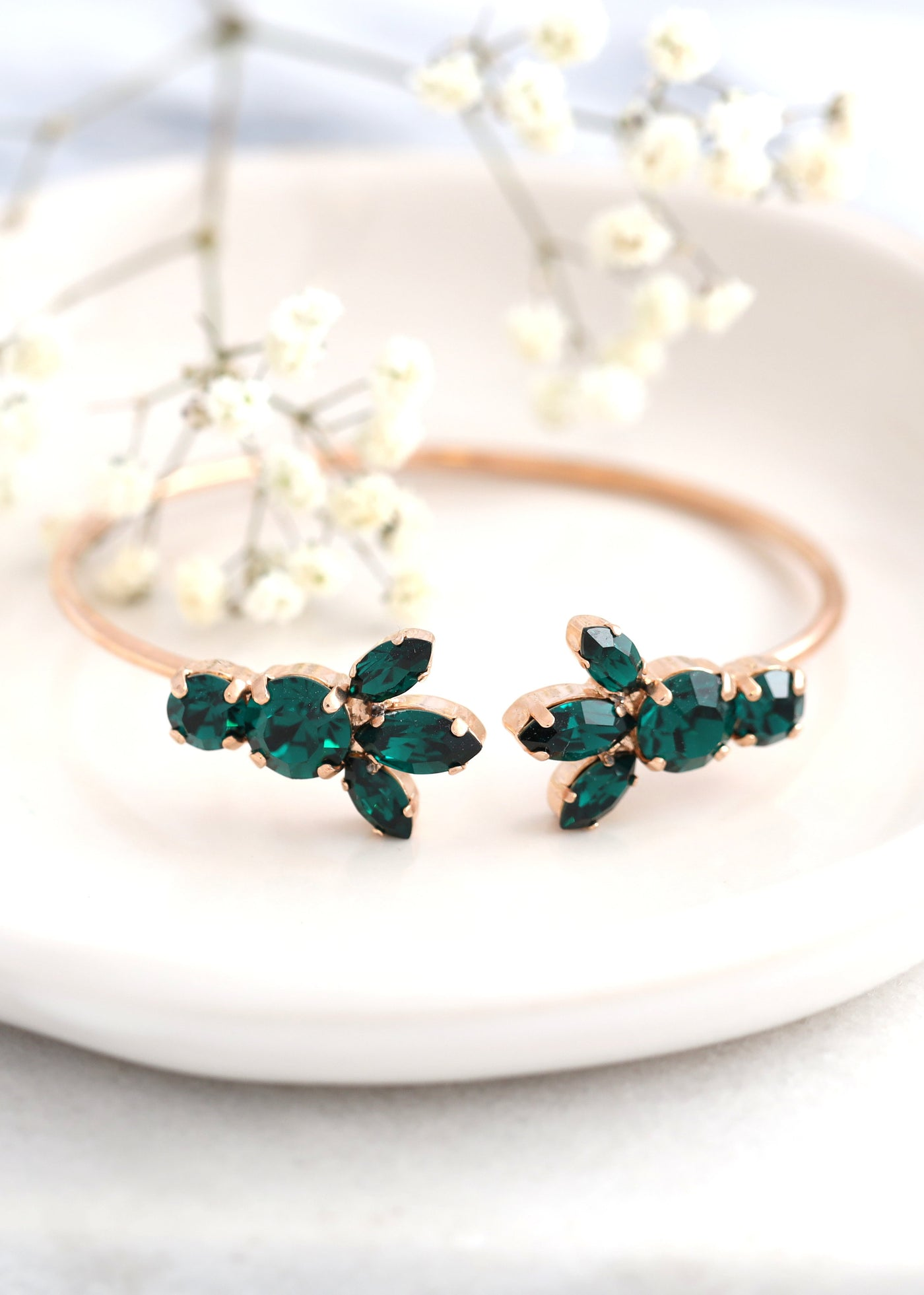 Emerald Green Bracelet, Bridal Wedding Emerald  Bracelet, Swarovski Crystal, Green Bracelet, Bridal Crystal Cuff, Bridesmaids Bracelets