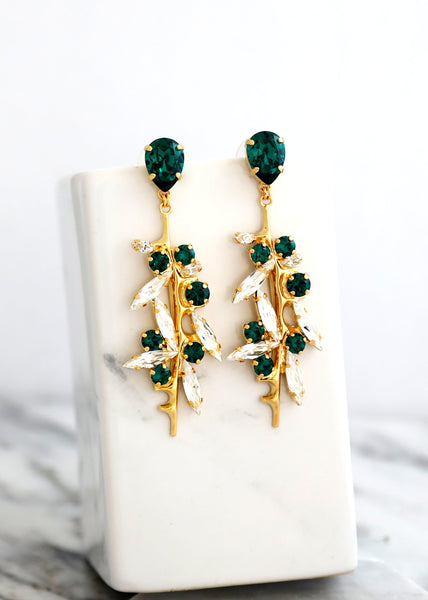 EMERALD Chandelier Earrings, Emerald Bridal Drop Earrings, Bridal Green Earrings, Swarovski Emerald Chandelier Earrings, Emerald Earrings