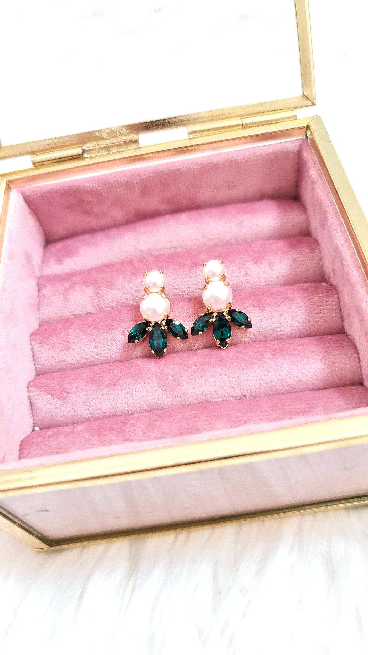 Emerald Earrings, Bridal Emerald Pearl Earrings, Green Stud Earrings, Green Crystal Earrings, Emerald Bridesmaids Earrings, Gift For Her