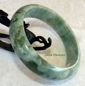 """Flowing Waters"" Rippling Green Veins Jadeite Bangle 59mm + Certificate (797)"