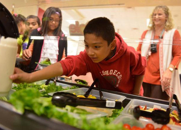 Five Factors That Will Make You Love Salad Bars at School and Tour De Fresh
