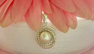 White Freshwater Pearl rope pendant necklace