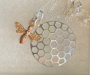 Another style of Bee 🐝 Pendant necklace