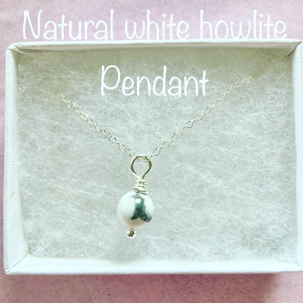 Howlite pendant and chain