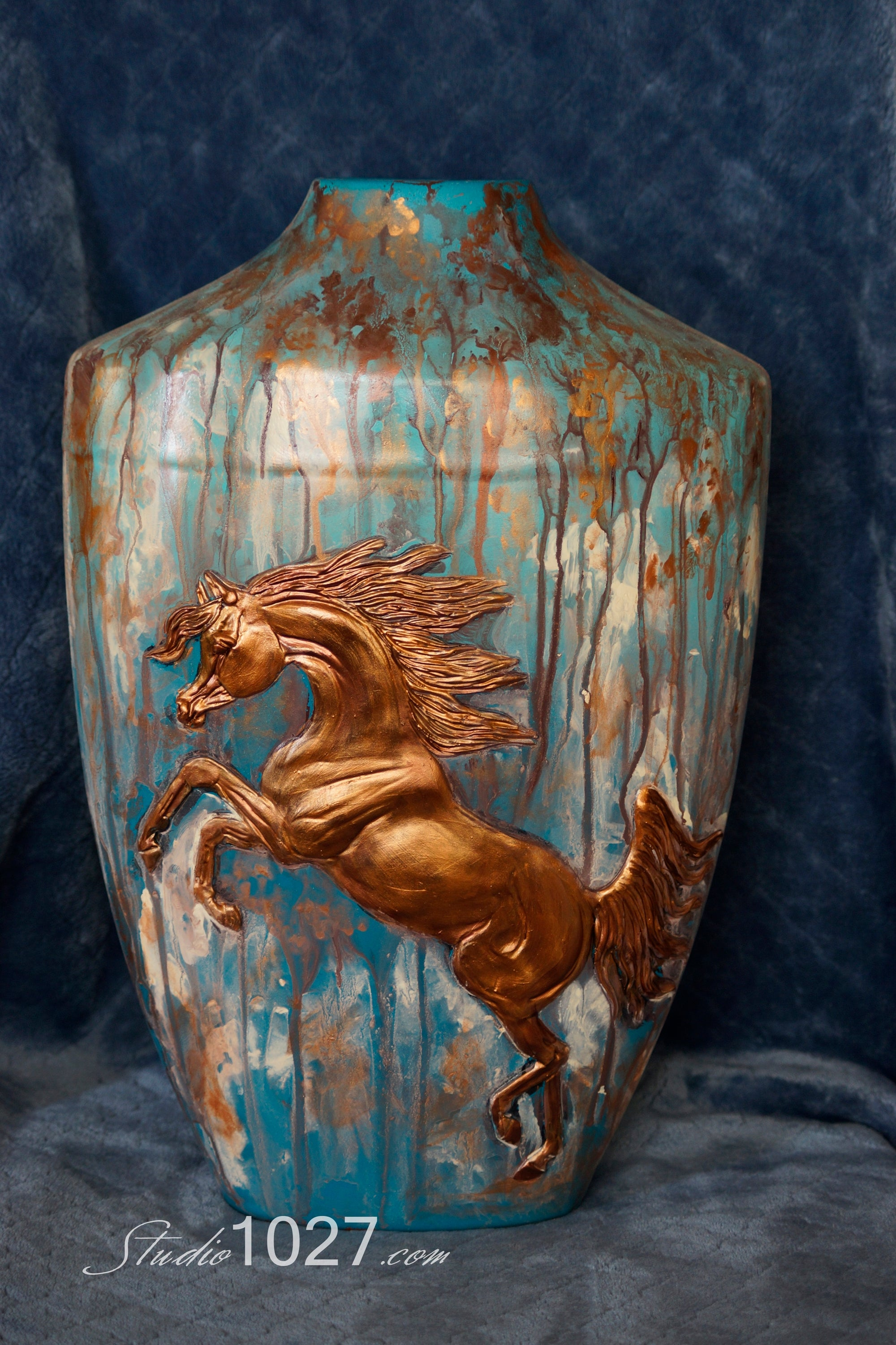 Custom Bas Relief Sculpture Vase