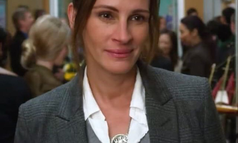 JULIA ROBERTS WEARS A MEANINGFUL PYRRHA NECKLACE IN HER NEW FILM WONDER