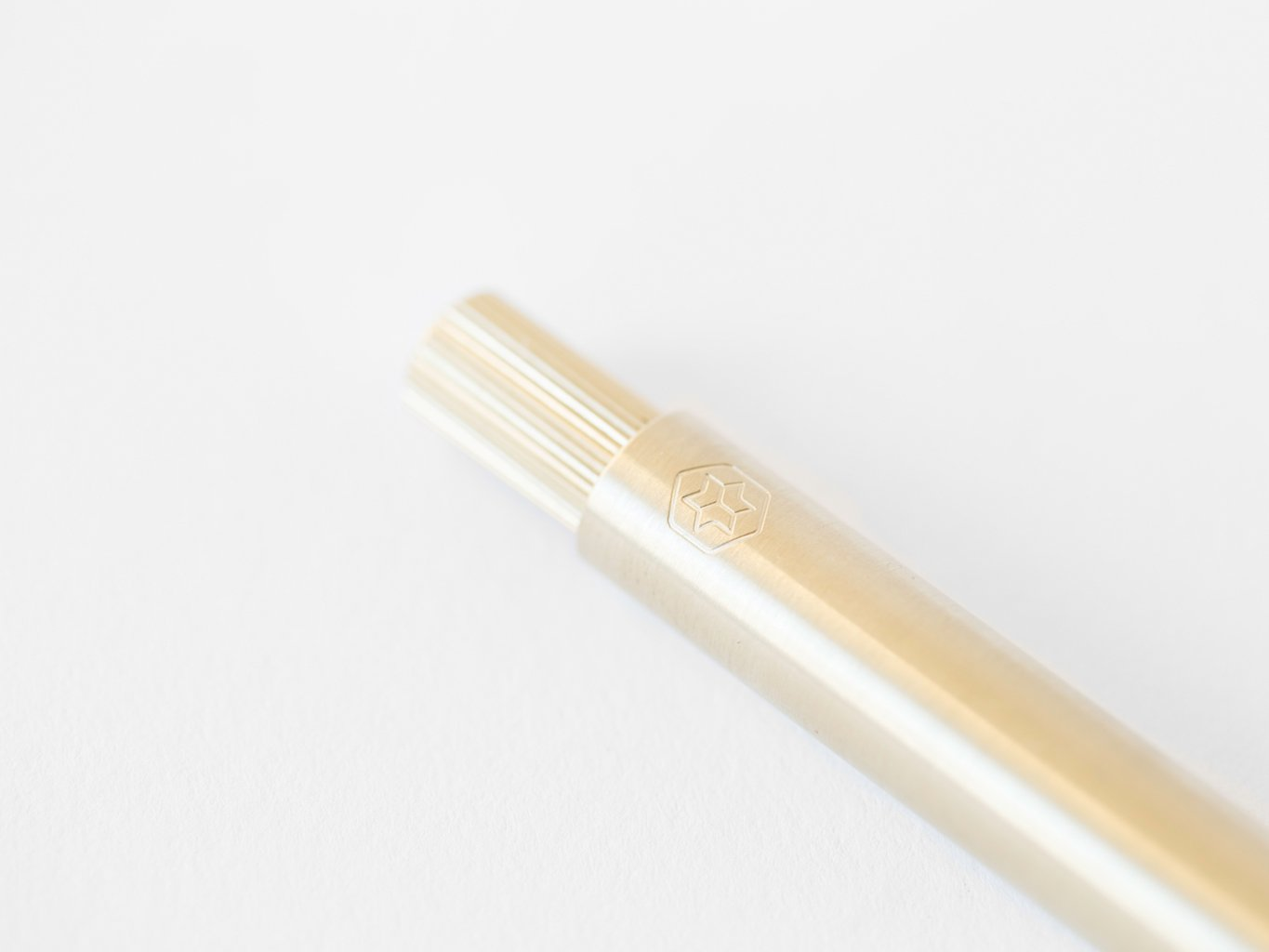 Ajoto - The Pen (14Ct Gold)