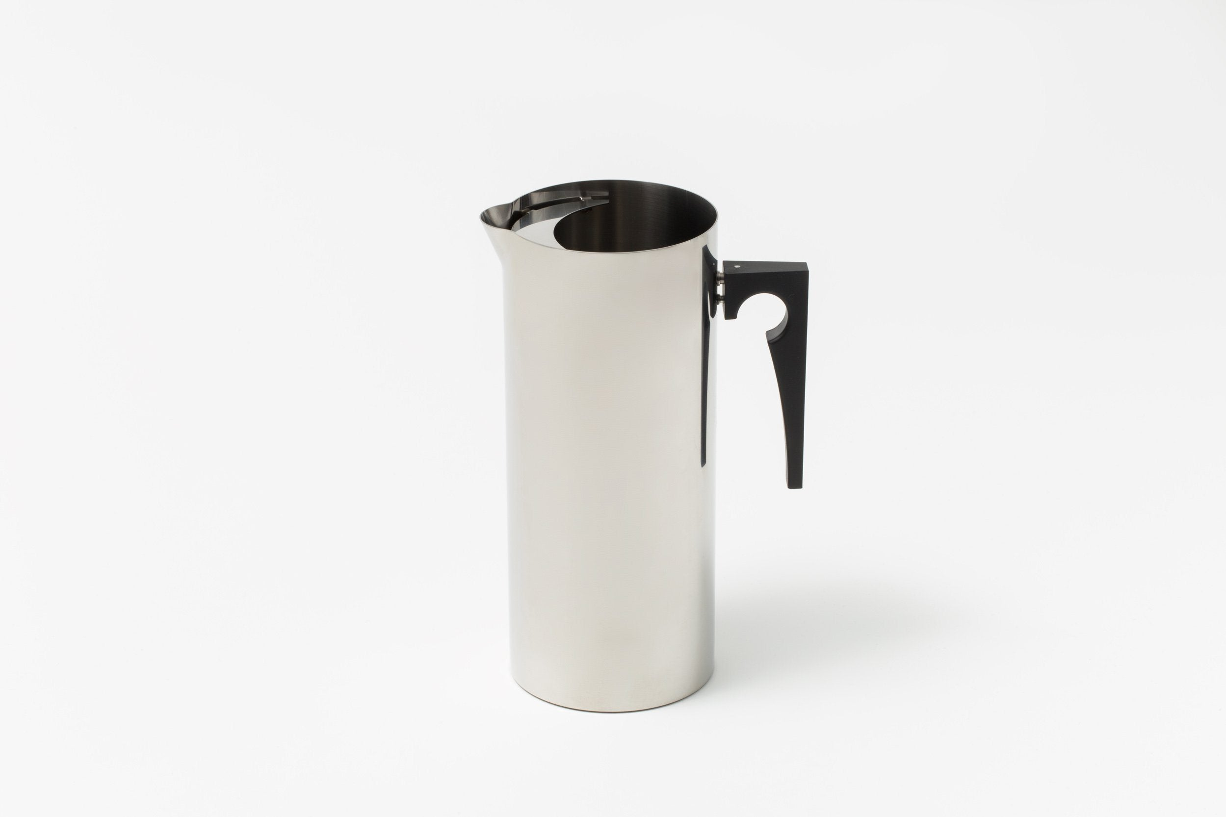 Arne Jacobsen - Jug with Icelip