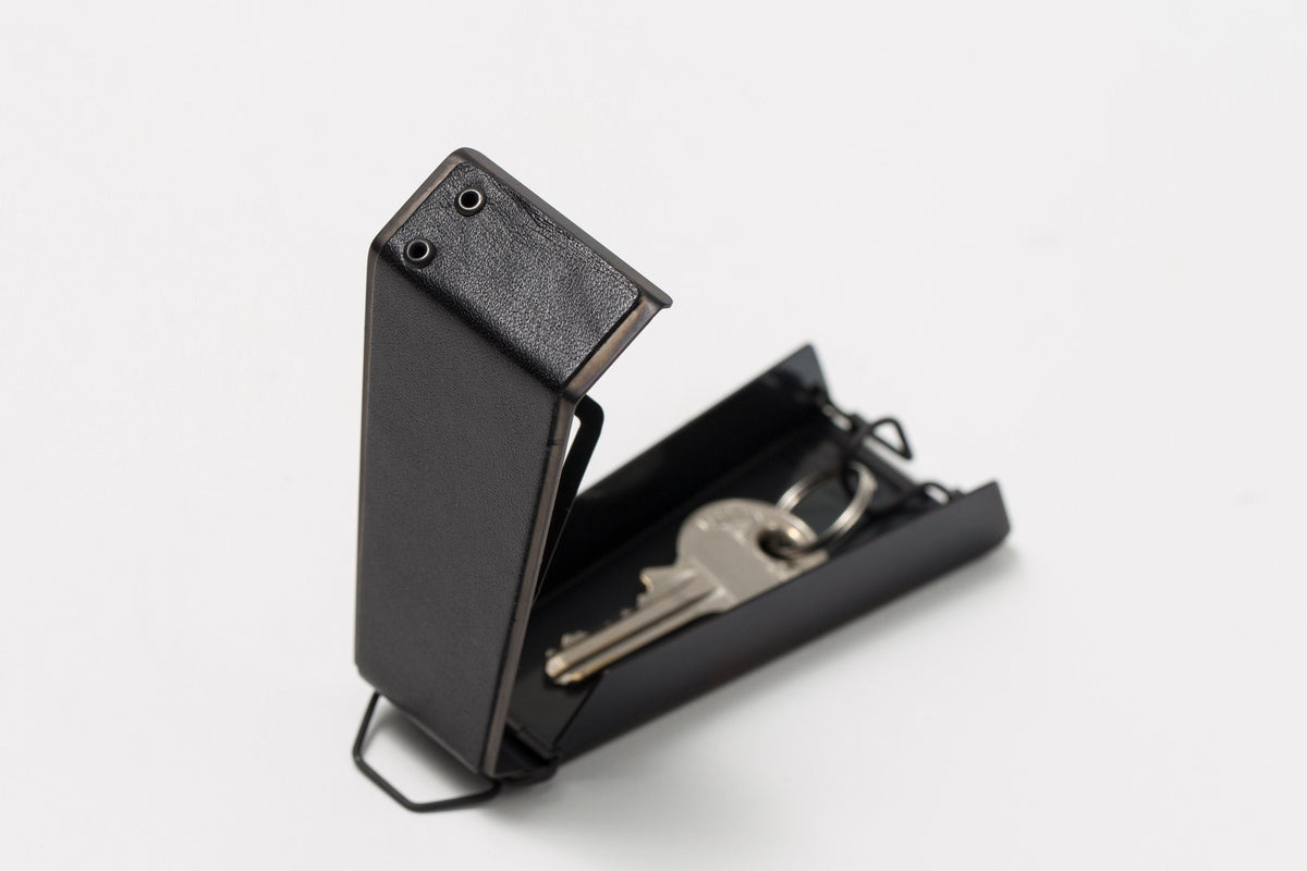 Claustrum - Swing Key Case (Leather Black Out Finish)