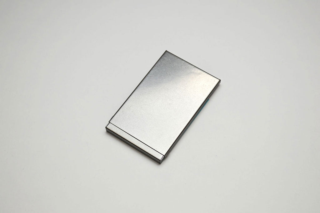 Mgn - Card Case (Vintage Edition Steel)