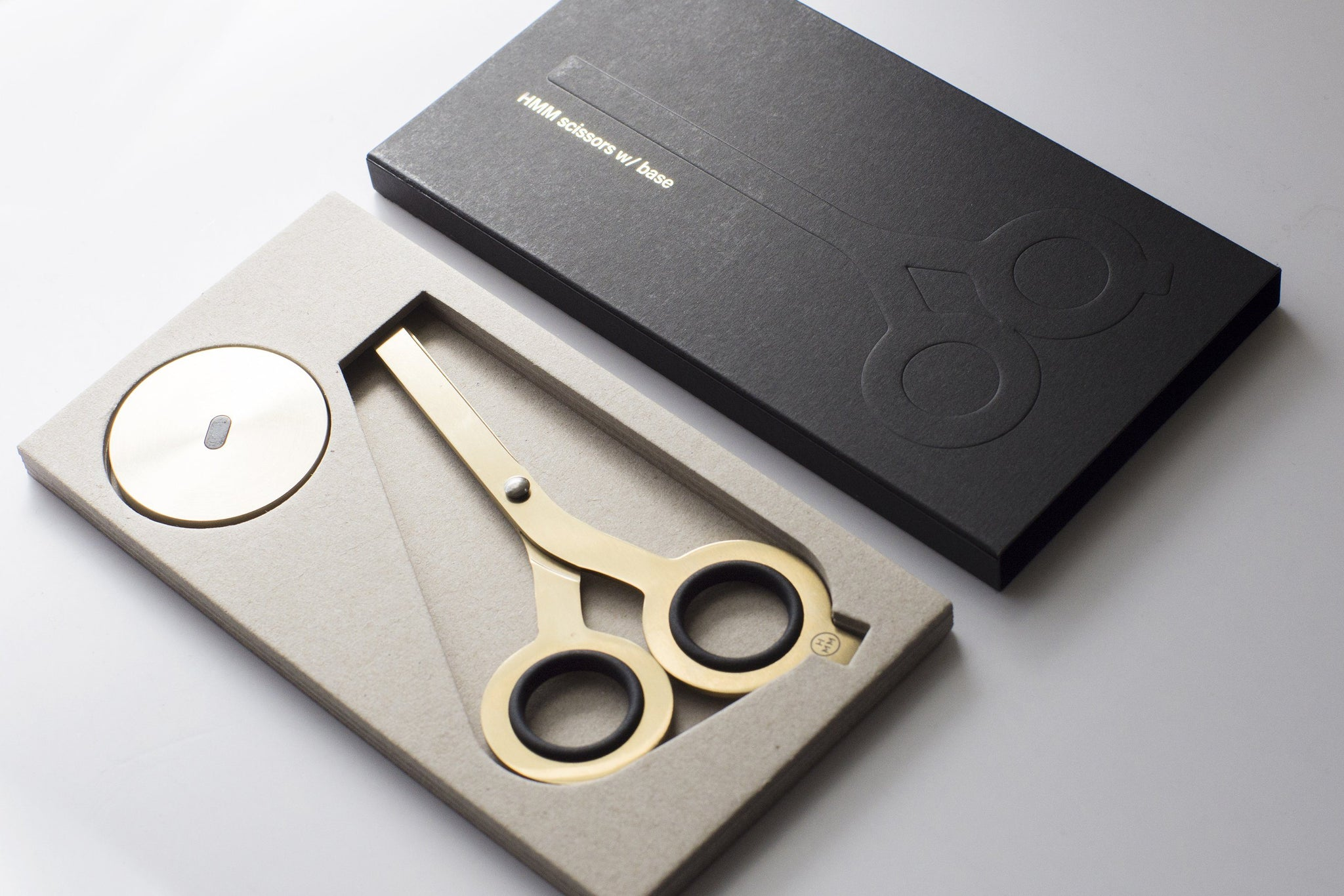Hmm - Scissors with Base (Gold)