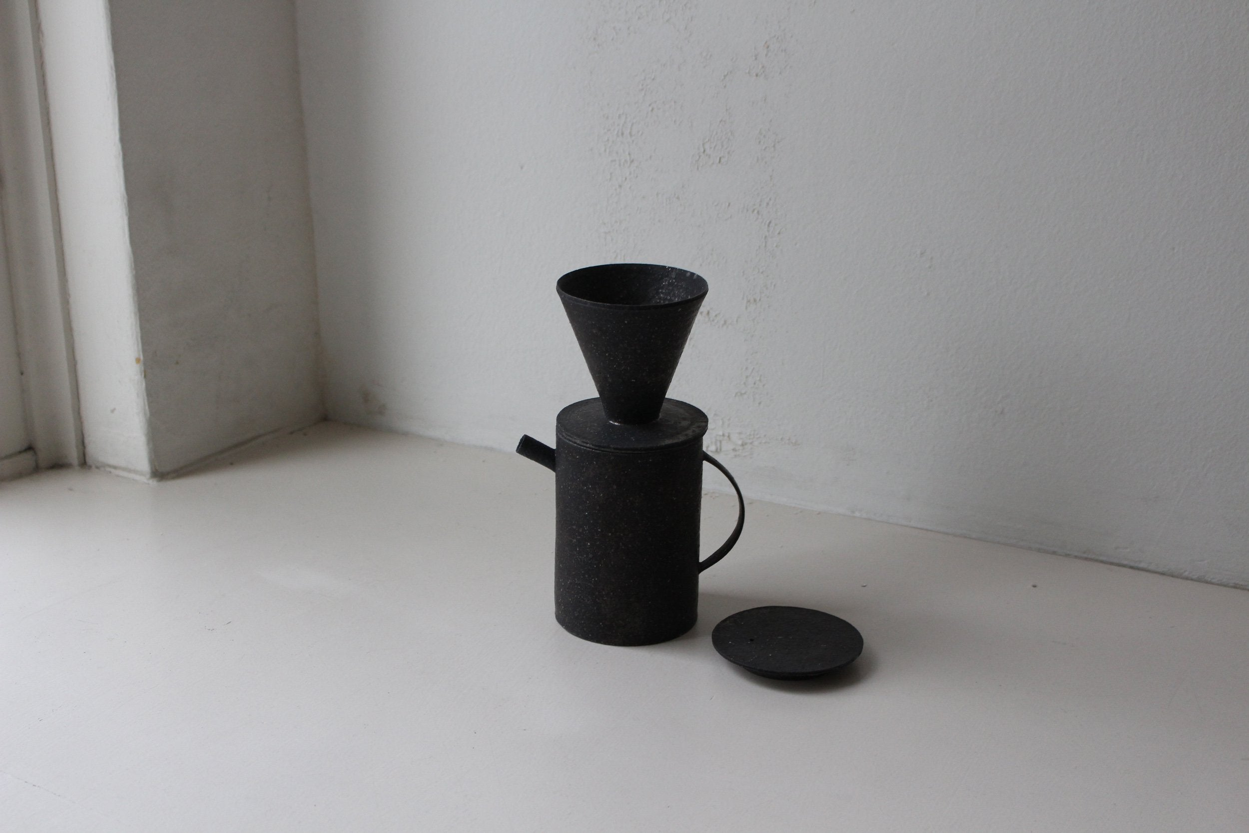 Takashi Endoh - Pot and Dripper (Black)