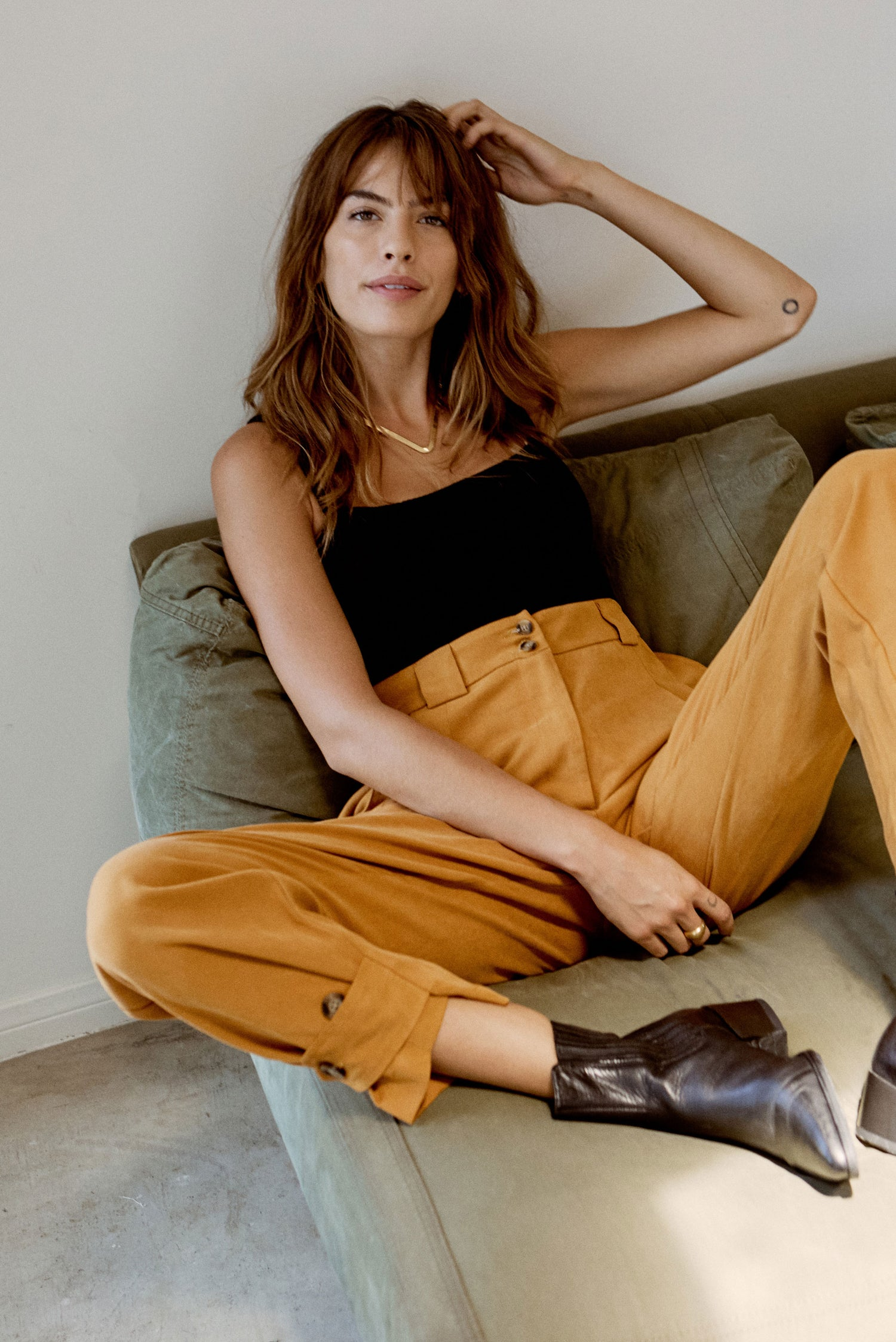 Leanna Pant in Gold