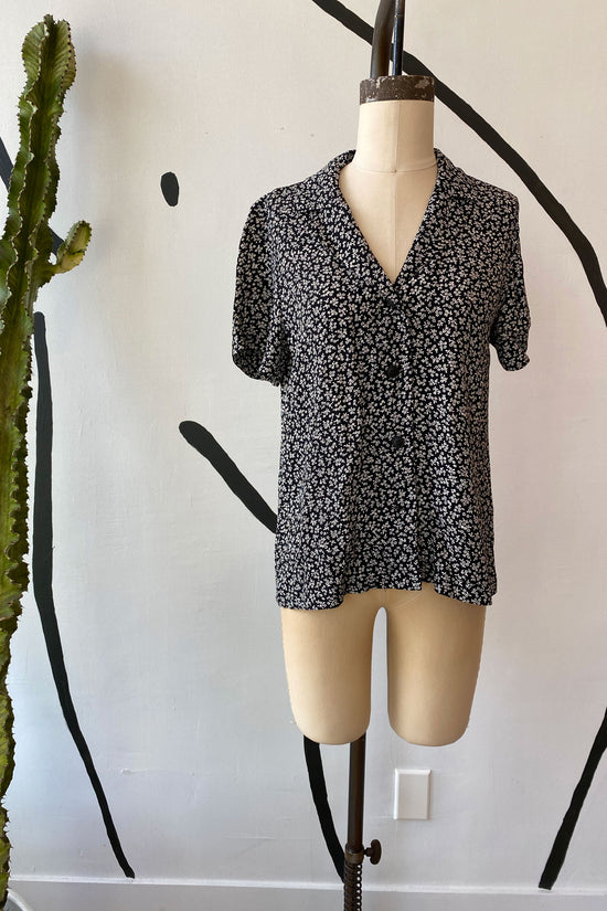 Sample Sale Lena Button Down in Petite Floral - Whimsy & Row