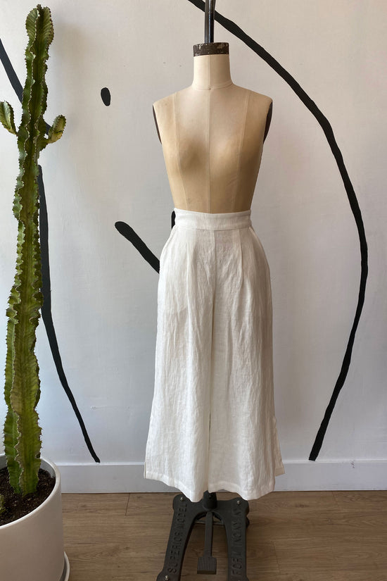 Sample Sale Valentina Pant in White - Whimsy & Row