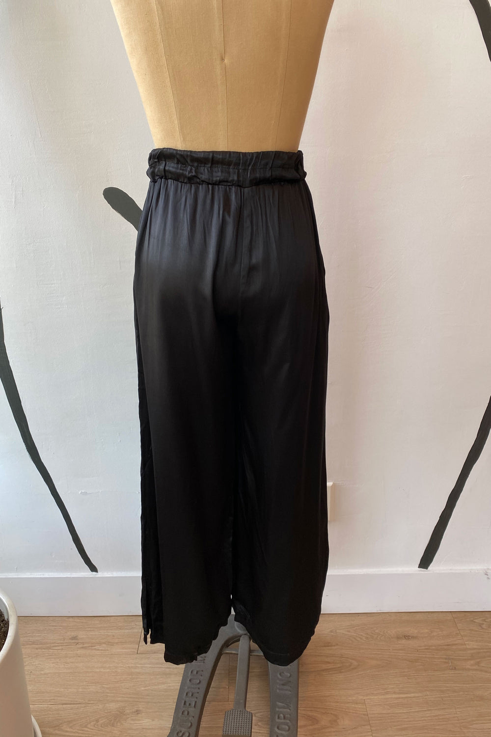 Sample Sale Norah Pants in Shiny Black - Whimsy & Row