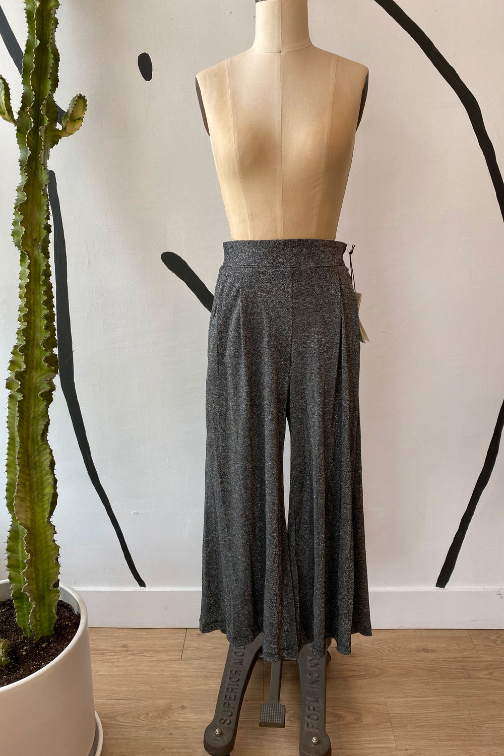 Sample Sale Valentina Pant in Metallic Black - Whimsy & Row