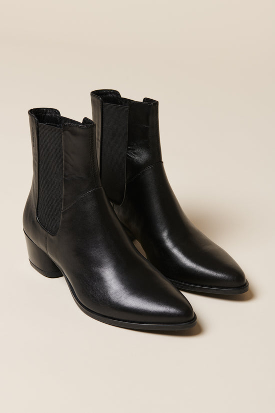 Vagabond Laura Chelsea Boot in Black - Whimsy & Row