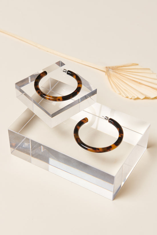 Machete Bold Hoops in Classic Tortoise - Whimsy & Row