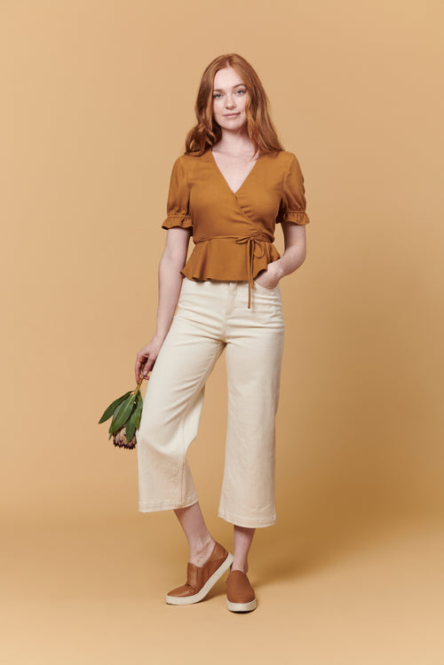 Laura Top in Brown