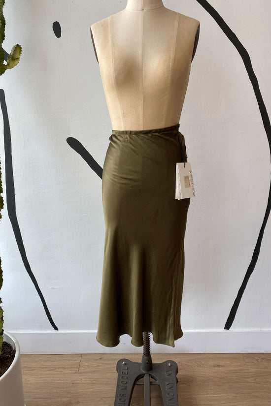 Sample Sale Diana Skirt in Shiny Hunter - Whimsy & Row