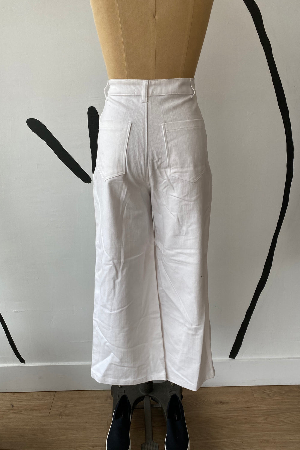 Sample Sale Flora Pant in White - Whimsy & Row