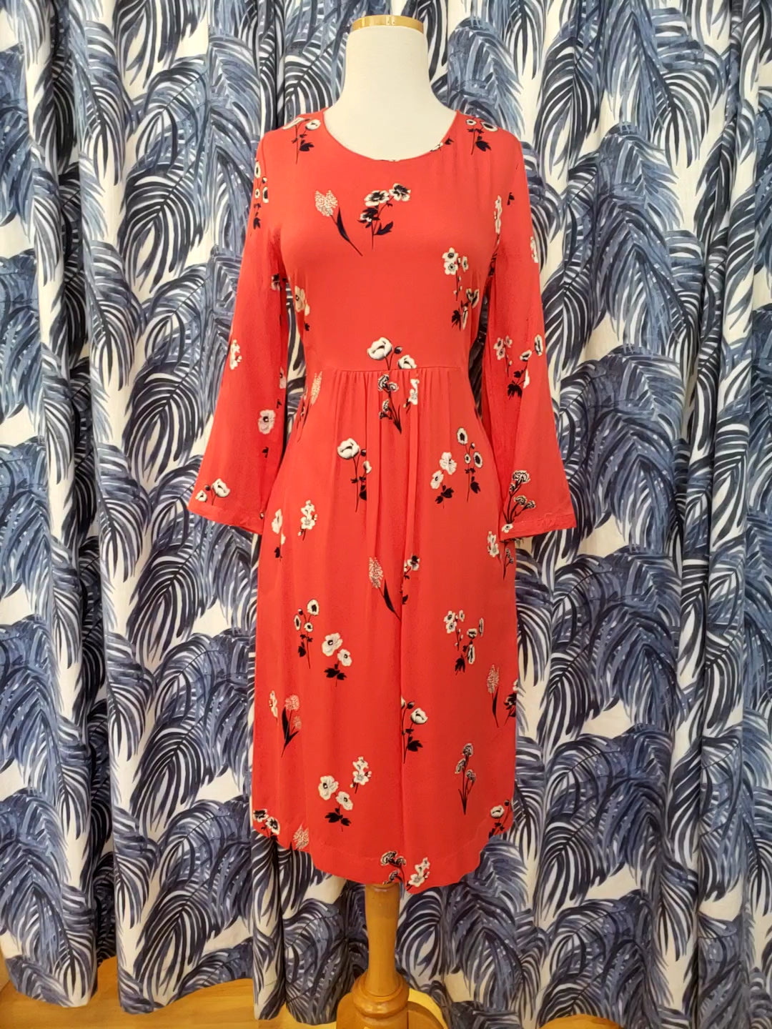 Alison Long Sleeve Woven Dress in Red Floral