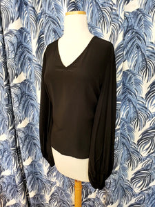 Balloon Long Sleeve V-Neck in Black
