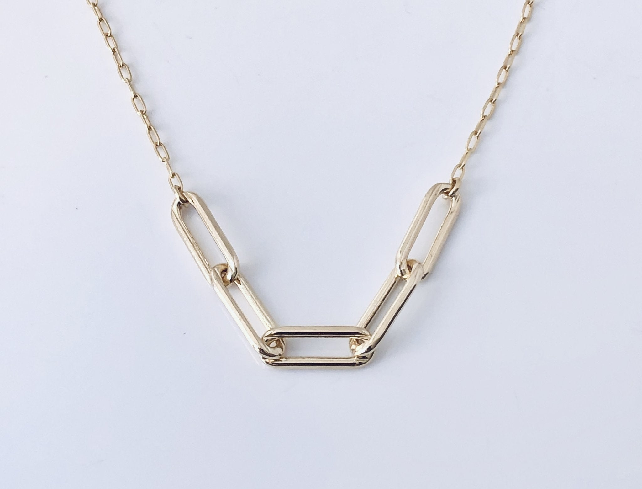 T and T Gold Clip Chain Necklace