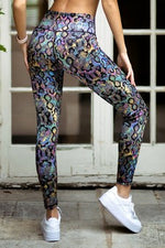 Load image into Gallery viewer, Oilslick Snakeskin Print Workout Leggings