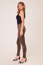 Load image into Gallery viewer, Sidewinder Legging in Brown