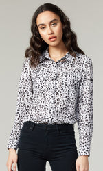 Load image into Gallery viewer, Alanna Blouse in Grey Leopard