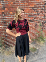 Load image into Gallery viewer, Houndstooth Crop Sweater in Garnet Combo