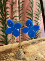 Load image into Gallery viewer, Maggie Acrylic Flower Earring in Blue