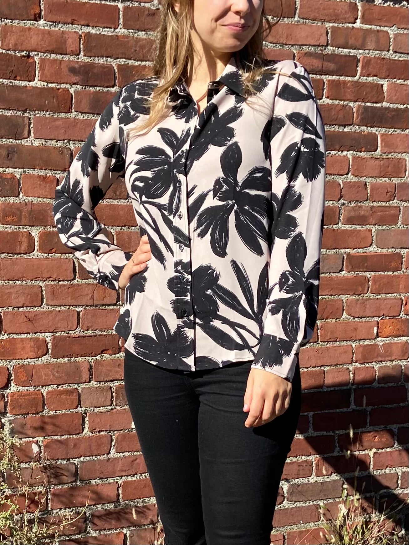 The Signature Shirt in Nude/Black Floral