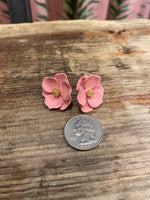 Load image into Gallery viewer, Buttercup Stud in Pink