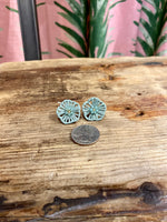 Load image into Gallery viewer, Rattan Flower Stud Earring in Moss