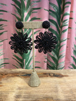 Load image into Gallery viewer, Beaded Daisy Earring in Black