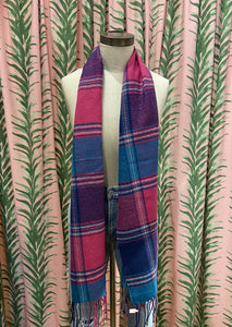 Thin Plaid Scarf in Wool Pink