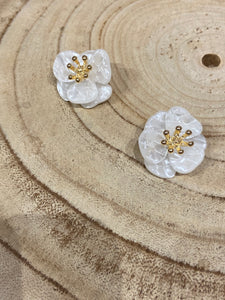 Acrylic Flower Earrings in White Shell