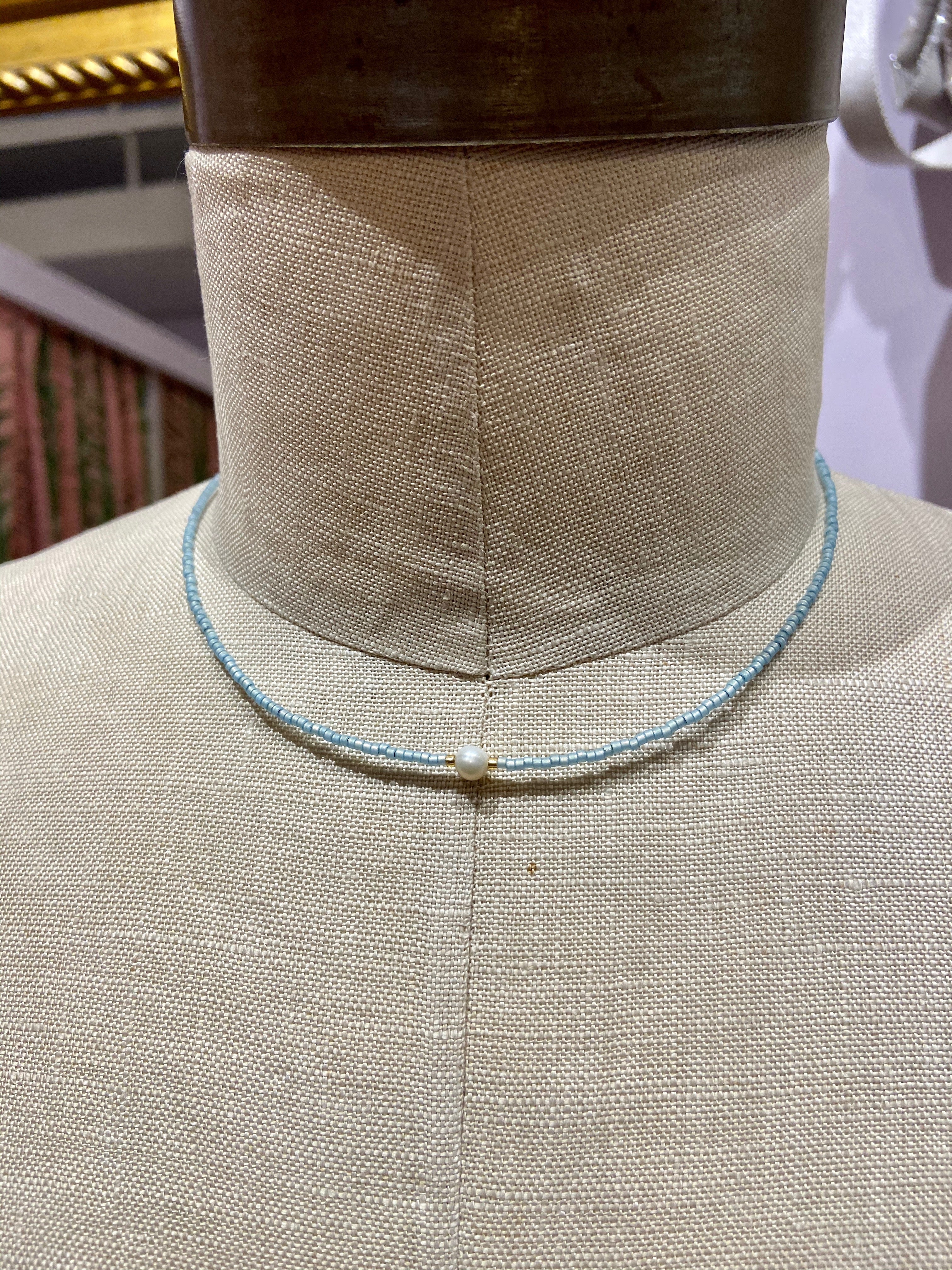 Shell Center Choker in Light Blue