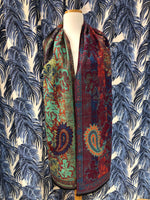 Load image into Gallery viewer, Reversible Cashmere Scarf in Pink Paisley