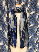 Load image into Gallery viewer, Reversible Cashmere Scarf in Blue Waves